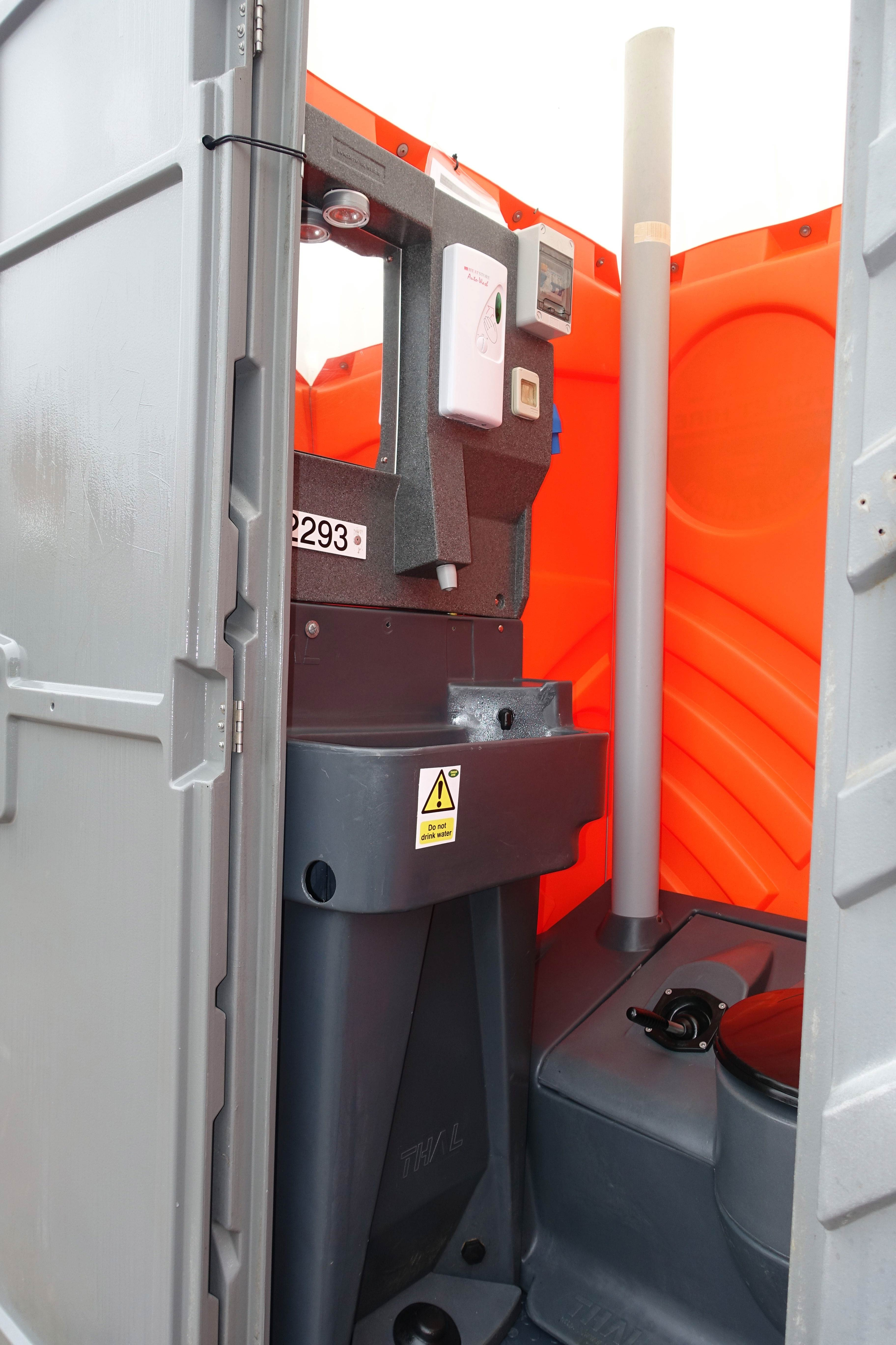 Hot Wash Portable Toilets Chemical Toilet Hire Temporary