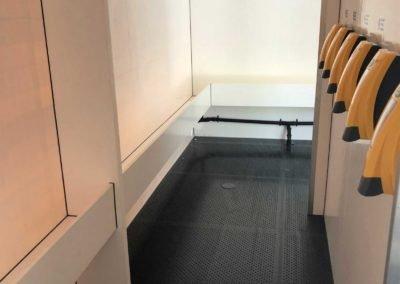 interior-20-bay-urinal